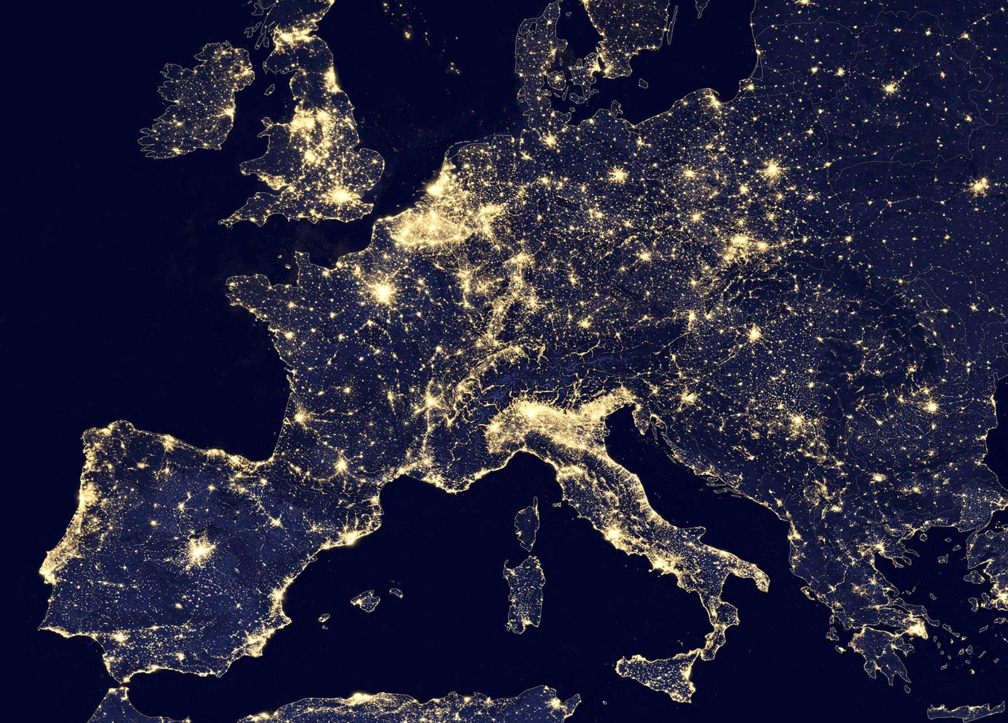 Sunniest side vs. Darkest side of Europe