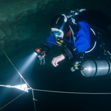 Diving in Buda's thermal water caves